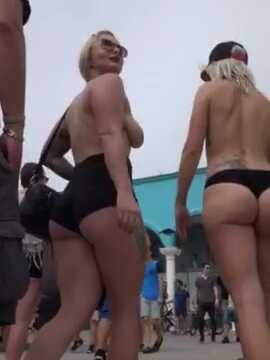 Blonde babes topless and hot ass in bikini candid